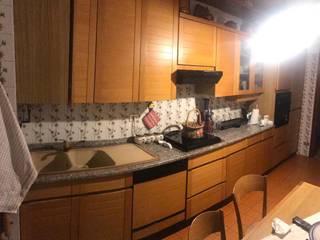 Restyling cucina di TREZZI INTERNI SNC DI TREZZI FAUSTO, FRANCESCO E DARIO Moderno