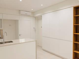Obra ESM Cocinas modernas: Ideas, imágenes y decoración de LOB arquitectura Moderno
