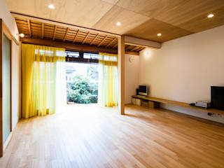 伏見の家(リノベーション) 北欧デザインの リビング の a.un 建築設計事務所 北欧