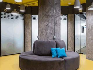 Офис WePlay Esports Офисные помещения в стиле лофт от Partner Design Лофт