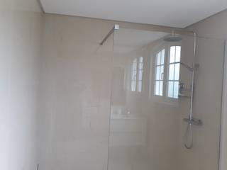Remodelação de Casas de Banho | Viana do Castelo Casas de banho modernas por J Habit Moderno