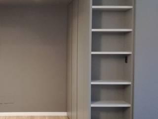 TREZZI INTERNI SNC DI TREZZI FAUSTO, FRANCESCO E DARIO Modern corridor, hallway & stairs