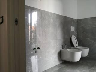 Bagno Milano Bagno moderno di TREZZI INTERNI SNC DI TREZZI FAUSTO, FRANCESCO E DARIO Moderno