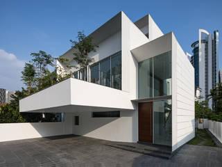 Hilltop Modern houses by Atelier M+A Modern
