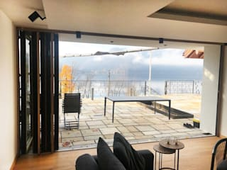 Salon moderne par Schmidinger Wintergärten, Fenster & Verglasungen Moderne