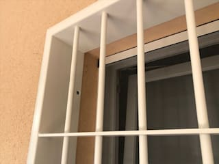 Officine Locati Klassische Fenster & Türen Eisen/Stahl Beige