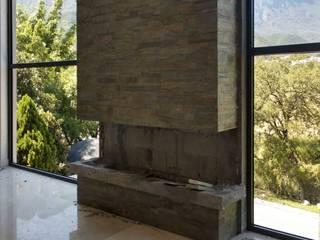 DETALLE CHIMENEA Espacio Arquitectura Salones minimalistas Piedra Marrón