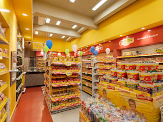 Projeto Comercial - Rede de alimentos Rubiana teixeira Barbosa ME Espaços comerciais modernos Plástico Amarelo