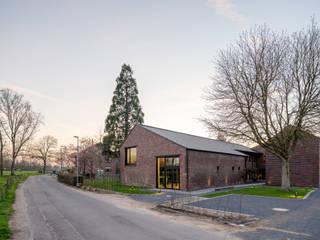 Blecherhof Korschenbroich Moderne Geschäftsräume & Stores von Michael van Ooyen Architekt BDA Modern