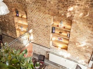 BARRIEREFREIE ELEMENTE FÜR DAS CAFÉ JOHANN Lu Interior Berlin Moderne Esszimmer