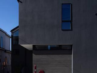 内田雄介設計室 Scandinavian style houses Black