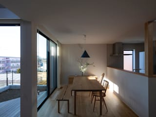 内田雄介設計室 Scandinavian style dining room Wood White