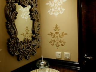 LUXURIOUS INTERIOR DESIGN FOR A HIGH END RESIDENCE EXECUTED Classic style bathroom by Rich & Aki Classic