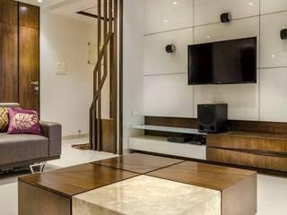 Rich & Aki Modern living room Wood Beige