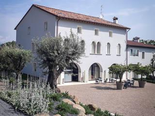 Italiano contemporaneo Sedi per eventi moderne di exTerra | consulenze ambientali e design nel verde Moderno