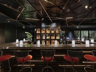 THE LIVELY BAR -THE LIVELY AZABUJUBAN TOKYO- の 株式会社DESIGN STUDIO CROW モダン