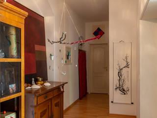 Pasillos, vestíbulos y escaleras de estilo clásico de studio ALBERT Clásico