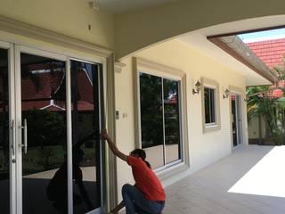 โรงงาน พัทยา กระจก ยูพีวีซี Pattaya UPVC Windows & Doors Pintu Kaca White