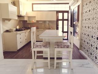 Shringaar Residence Skywalk Designs Modern dining room