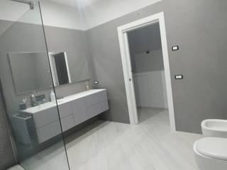 CASA PRIVATA - VILLA Bagno moderno di LUIGI CASELLA Moderno