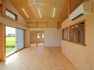 井原の住宅 オリジナルデザインの リビング の グッドサイトアーキテクツ一級建築士事務所 オリジナル