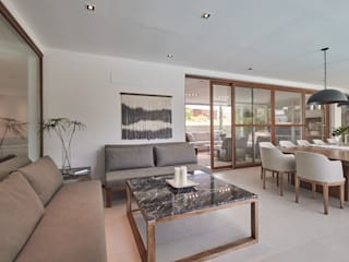 Гостиная в стиле модерн от Ramirez Arquitectura Модерн