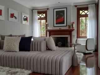Linna Li Design de Interiores Ruang Keluarga Modern