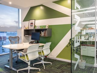 Soma & Croma Modern offices & stores Engineered Wood Green