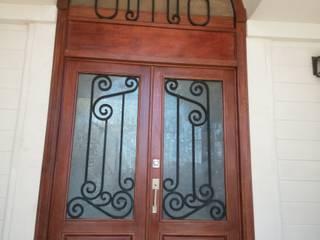 Carpintería Fabricaciones Peña pintu depan Kayu Wood effect