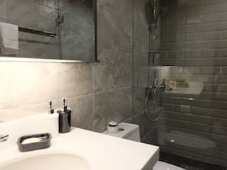 2BR Condo @ East Horizon, Ortigas Modern bathroom by D3ID Design and Build Modern