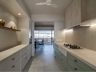 Parkview | Residential Apartment Modern kitchen by DESIGNER'S CIRCLE Modern