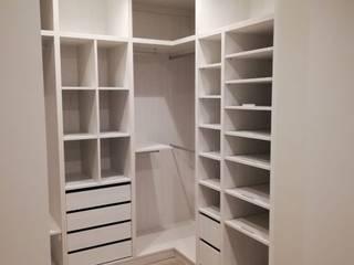 Cocinas y ARMARIOS Nicole BedroomWardrobes & closets