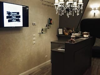 MT ILLUMINAZIONE SRL Office spaces & stores