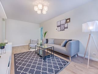 Modern and minimalistic residence design Minimalist living room by Rich & Aki Minimalist