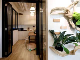 RSDS Architects Minimalistyczny korytarz, przedpokój i schody