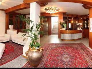 MT ILLUMINAZIONE SRL Hotels