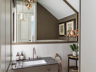 Carlton Hill: North West London Roselind Wilson Design Classic style bathroom