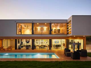 CM House Atelier d'Arquitetura Lopes da Costa 別墅 木頭 Amber/Gold