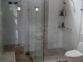 Divisiones para baño de Aluminios CMC Minimalista