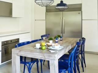 Ecologik Nhà bếp phong cách hiện đại White