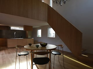 Scandinavian style dining room by NASU CLUB Scandinavian