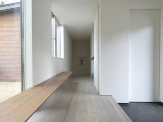 CSH#41 H house オリジナルスタイルの 玄関&廊下&階段 の NASU CLUB オリジナル 木 木目調