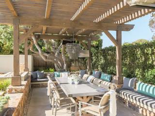 Summer Terrace Sunbrella Rustic style balcony, veranda & terrace