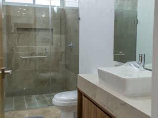 Casa Alejandra Baños modernos de Excelencia en Diseño Moderno