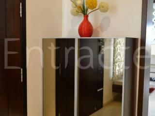 Zonasha Paradiso - 1 Modern corridor, hallway & stairs by Entracte Modern