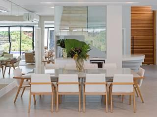 Residencia MA Salas de jantar modernas por BRITA ARQUITETURA Moderno