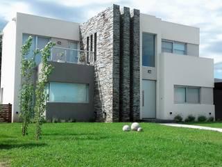 Casa 94 de LR arquitectura Moderno