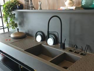 Nhà bếp phong cách hiện đại bởi Omar Interior Designer Empresa de Diseño Interior, remodelacion, Cocinas integrales, Decoración Hiện đại