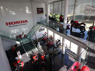 Concesionario Oficial Honda Motos Agencias de autos de estilo moderno de LR arquitectura Moderno