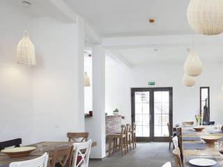 INESLAM ILUMINACION, SL Ruang Makan Modern